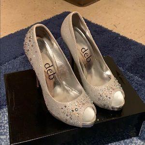 Deb heels